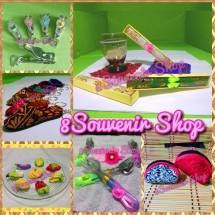 8Souvenir Shop