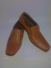 Sepatu Kulit dan Sport