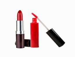 Lipstik dan Pensil Bibir
