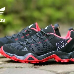 Sepatu Olahraga Pria Sepatu Gunung Tokopedia