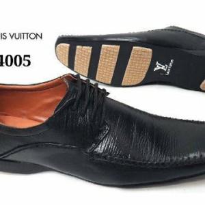 Harga Sepatu Formal Pria Louis Vuitton Pantofel Casual Kantor Kerja ... cf5c4d0b60