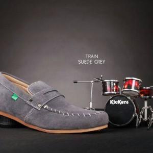 Sepatu Kicker Slop Santai Tokopedia