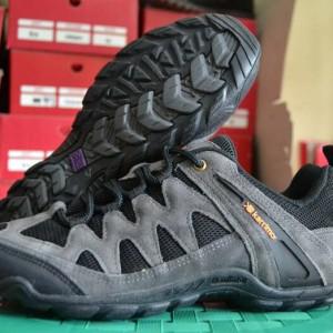 Jual sepatu karrimor original tracking outdoor adventure gunung sepeda 8f0914110a