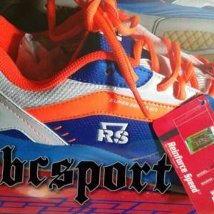 Sepatu Badminton Original Rs Seri Sirkuit 570 Tokopedia