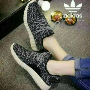 Sepatu Sepatu Wanita Yezzy Hitam Tokopedia