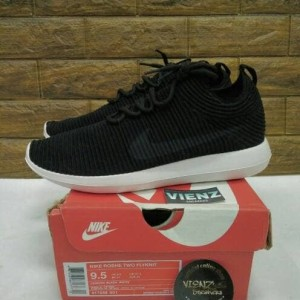 8f5fd458a099 Jual sepatu Nike Roshe Two flyknit BNIB. PREMIUM SNEAKER