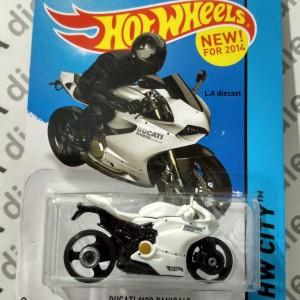 Hot Wheels 2014 - Ducati 1199 Panigale White --AKTA - US CARD--