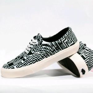 Sepatu Casual Vans Era Hitam Tokopedia
