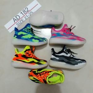 Sepatu Adidas Kids Adidas Yezzy Kids Sepatu Sekolah Anak Sepatu Anak Sekolah Sepatu Baby Adidas Kids Cowok Cewek Tokopedia