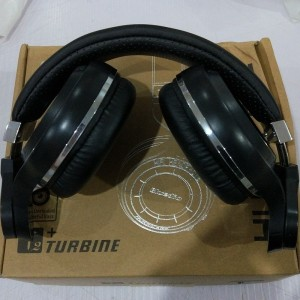 ... Wireless Plus Ufo Itu Di Ear Headphone Dengan Mikrofon Hitam; Page - 3. HOT SALE Headphone Bluetooth Bluedio T2 Turbine Hurricane Hitam PSO4