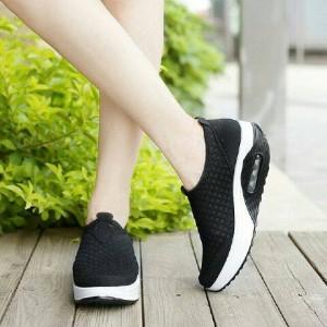 Sepatu Wanita Slip On Hitam Tokopedia