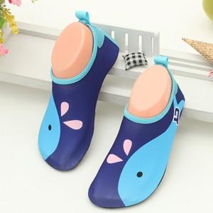 Sepatu snorkling pantai anak