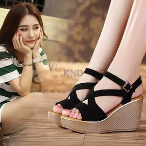 Jual Sepatu Wanita / Cewek Wedges Silang T.1.3.9 Hitam Terlaris