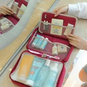 Tas Alat Mandi Kosmetik Partition Wash Bag M Tokopedia