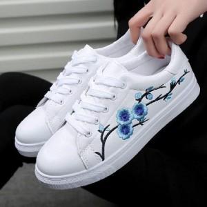 Sepatu Sneaker Casual Wanita Tokopedia