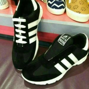 Sepatu Sport Cowo Adidas Tokopedia