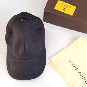 Cari Produk Topi Louis Vuitton - Harga Bersatu ID b3bf6201fd