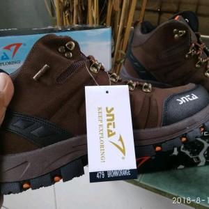 Sepatu Gunung Snta Type Terbaru 479 Brown Orange Sepatu Outdoor Sepatu Gunung Pria Tokopedia