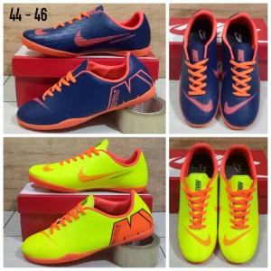 Sepatu Futsal Jumbo Nike Big Size 44 46 Tokopedia