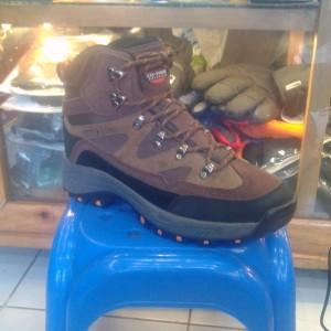 Sepatu Cotrek Grandeur Bukan Rei Consina Eiger Tokopedia