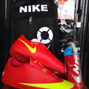 Paket Hemat Dan Komplit Sepatu Futsal Nike Tokopedia