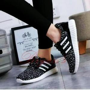 Sepatu Wanita Yeezy Hitam Tokopedia