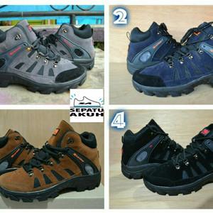 Sepatu Adidas Gunung Tracking Adventure Tokopedia