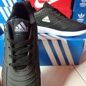 Sepatu Olahraga Adidas Bahan Karet Biru Navy Tokopedia