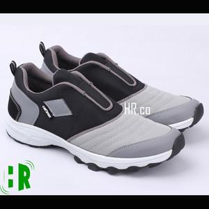 Sepatu Olahraga Pria Sneakers Tokopedia