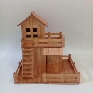Miniatur Rumah Stik Sederhana