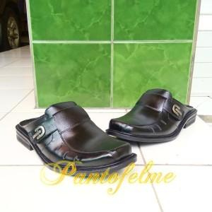 Sepatu Sandal Slop Sendal Slop Kulit Asli Sandal Slop Kulit Asli Sandal Kickers Tokopedia