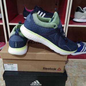 Sepatu Reebok Astroride Running Tokopedia