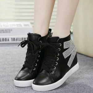 List Produk Sepatu Boots Wanita Korea Putih Bling Gsb 42 Terbaru ... 5b60849757