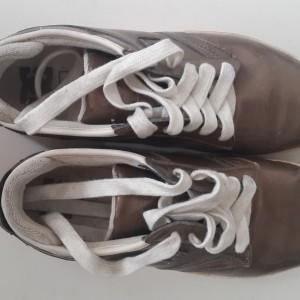Jual Sepatu Second coklat merk DC Size 10 (size 43) b6ff2b2872