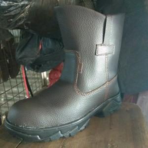 Sepatu Safety Boots Panjang Murah Harga Terjangkau Safety Safeti Septi Saveti Juger Kingstil King Chetah Tokopedia
