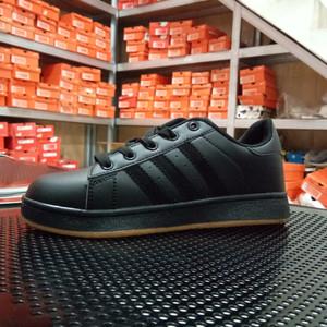 Sepatu Adidas Sekolah Sb Sepatu Adidas Kids Sepatu Full Black Sepatu Warna Hitam Sepatu Untuk Pramuka Sepatu Anak Paud Tk Sd Smp Tokopedia