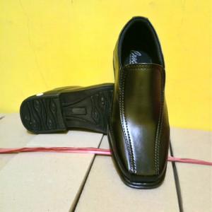 Sepatu Pantofel Anak Laki Laki Hitam Polos Sepatu Formal Anak Laki Laki Hitam Polos Sepatu Anak Sekolah Tokopedia