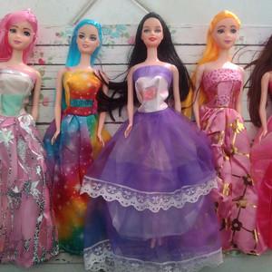 Boneka Barbie Gaun Cantik Loose Box Mika