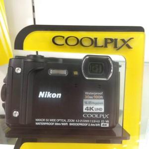 Nikon Coolpix W300 - Hitam