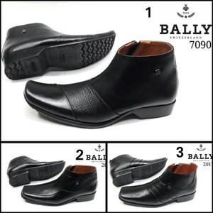 Sepatu Zipper Kulit Pria Black - Harga Spesifikasi Produk Terhangat ... 8131afff96