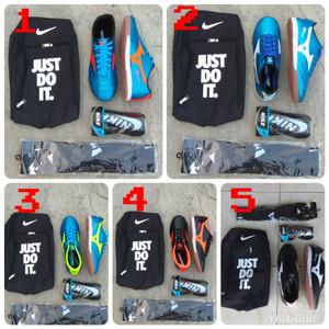 Paket Komplit Sepatu Futsal Mizuno Komponen Ori Tokopedia