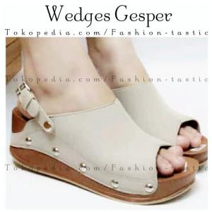 Jual Sepatu sandal wanita WEDGES GESPER CREAM Wedges slop hak tinggi murah 2be0bf9282