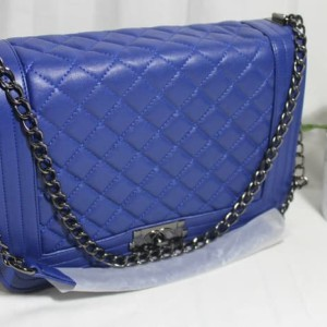 Jual Tas Tali Rantai Branded Chanel Boy Maxi Ukuran Besar 30 CM Warna Biru 13c542b700