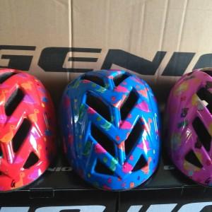 Helm sepeda Genio G13