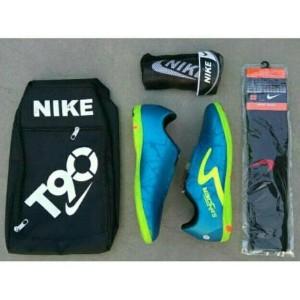 Sepatu Futsal Bonus Kaoskaki Tas Dan Skin Tokopedia