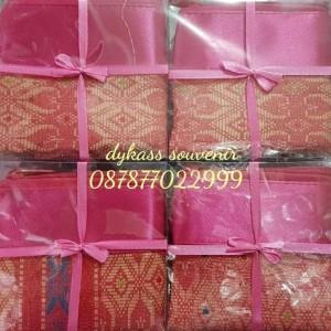 Souvenir Pouch Kosmetik Songket Tokopedia