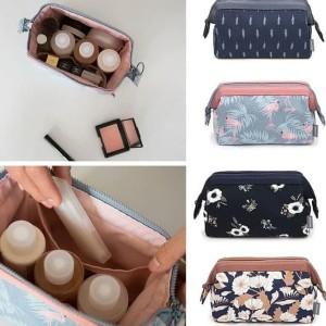 Terbaru 411 Tas Kosmetik Weekeight Charming Water Resistan Cube Pouch Tokopedia