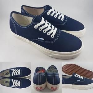 Jual Sepatu Kets Vans Authentic OG Classics Canvas Dark Blue Biru Tua 736d15e7ac