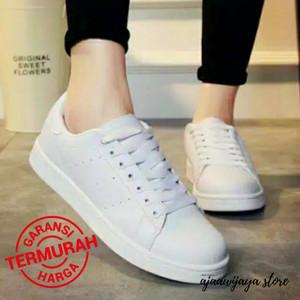 Sepatu Sneakers Polos Wanita Tokopedia