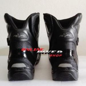 Sepatu Rvr Razor Black Tokopedia